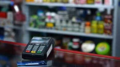 Los rebrotes hacen mella en el consumo: aparecen los primeros signos de debilidad