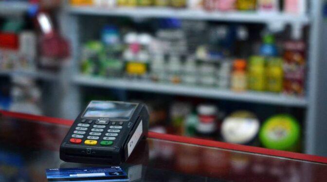 El comercio español soporta cerca de 550 millones de euros por comisiones de pagos con tarjetas