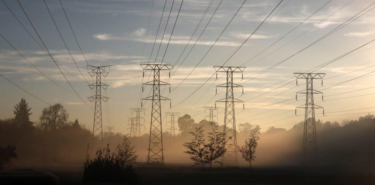 España refuerza la seguridad de todas las redes para blindar el suministro de luz y gas