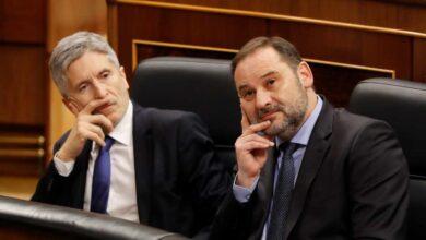 """Gritos de """"dimisión, dimisión"""" contra Ábalos en la bancada de la oposición por el 'Delcygate'"""