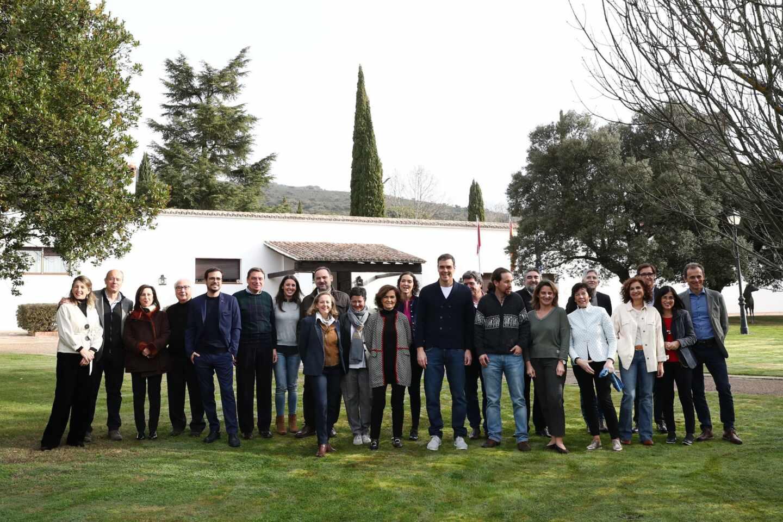 Pedro Sánchez reúne a sus 22 ministros en el rancho de Quintos de Mora