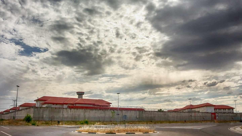 Exterior del centro penitenciario de Valdemoro, en Madrid.