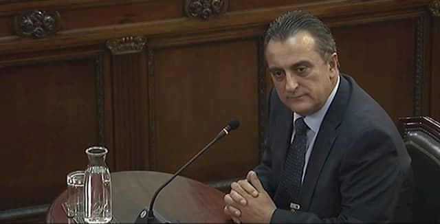 """El ex comisario de Información de los Mossos dice que no hubo """"grupos combativos"""" el 1-O"""