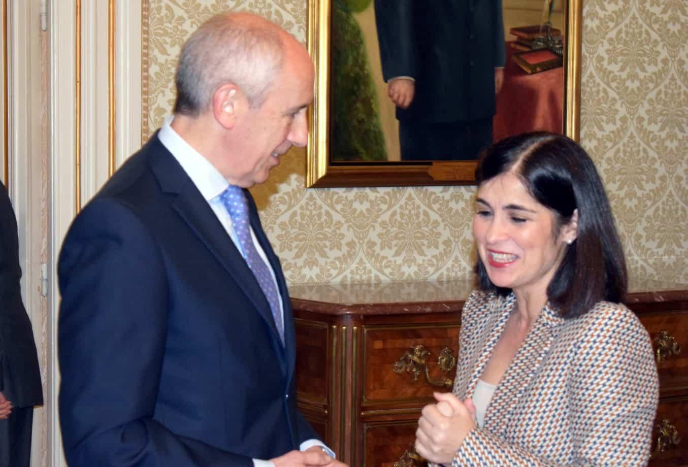 El consejero de Autogobierno, Josu Erkoreka, junto a la ministra de Política territorial, Carolina Darias.