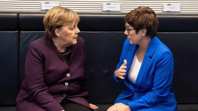 Merkel y AKK