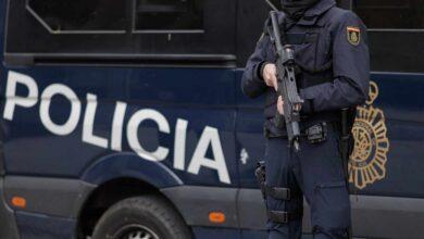 Mandos prohíben a antidisturbios usar mascarillas particulares y los policías se rebelan