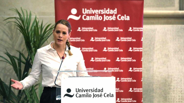 La diputada socialista Zaida Cantera, presidenta de la delegación española en la asamblea parlamentaria de la OTAN, en una conferencia.