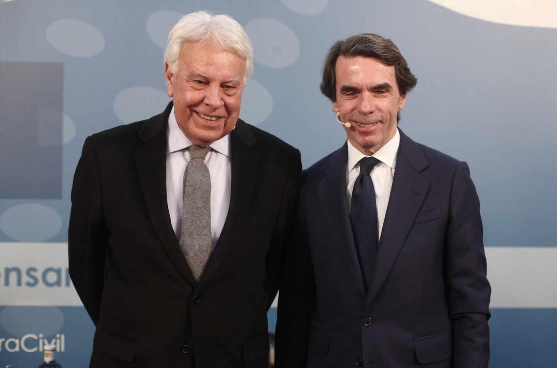 Los expresidentes del Gobierno Felipe González y José María Aznar.