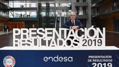 """Endesa choca con el Gobierno por su plan de subastas de renovables y las culpa de la """"burbuja"""" del sector"""