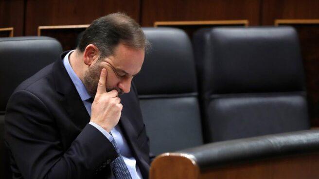 El ministro de Transportes, José Luis Ábalos, este miércoles durante la sesión de control en el Congreso de los Diputados.