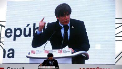 Puigdemont lanza su DNI republicano en plena negociación de su papel en el futuro Govern