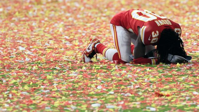 Imagen de Alex Brown, de los Kansas City Chiefs, tras la final del domingo