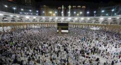 Arabia Saudí suspende las peregrinaciones a la Meca y restringe los visados por el coronavirus
