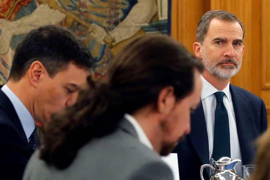 PSOE y Podemos tienen un pacto tácito de no agresión en torno al debate de la Monarquía
