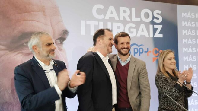 Carlos Iturgaiz y Pablo Casado durante el acto celebrado hoy en Santurtzi de la coalición PP+Cs.