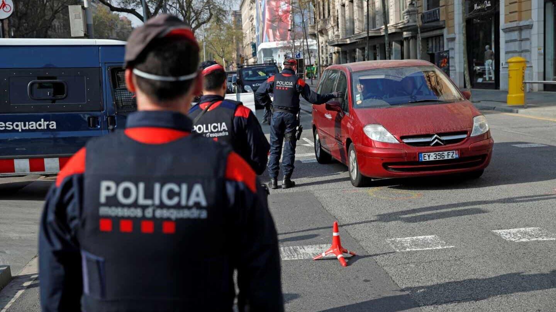 Detienen a 8 personas en orgía, en plena cuarentena en Barcelona