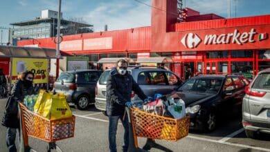 """La avalancha de pedidos colapsa el servicio """"online"""" de los supermercados"""