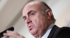"""Guindos afirma que el contagio de Covid-19 mediante el dinero en efectivo """"es prácticamente nulo"""""""