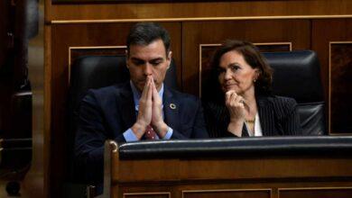 "Moncloa se moviliza, con Carmen Calvo a la cabeza, para atraer a Casado al ""sí"" a la prórroga"