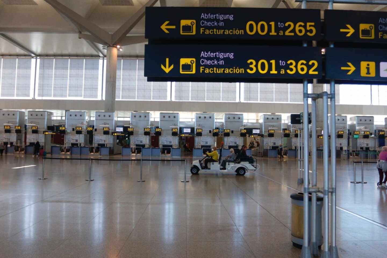 El aeropuerto de Málaga sin viajeros por las restricciones.