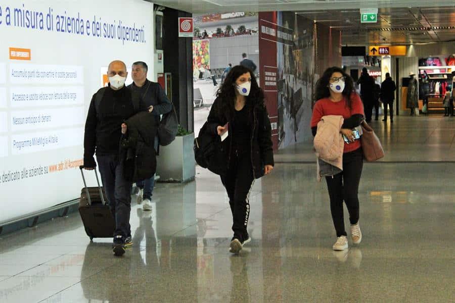 Las aerolíneas temen un caos para repatriar españoles desde Italia tras prohibirse volar