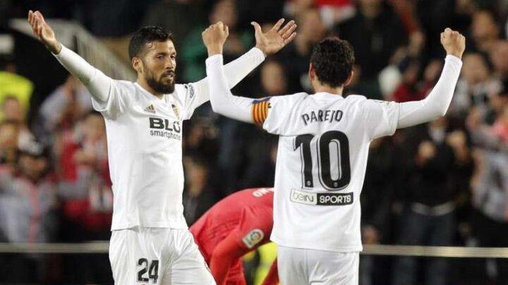 El coronavirus se propaga en el Valencia CF: cuatro positivos además del de Garay