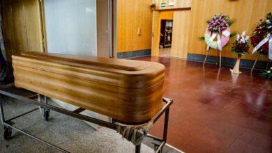 El Gobierno prohíbe a las funerarias subir precios para evitar abusos y tendrán que devolver lo cobrado ya de más