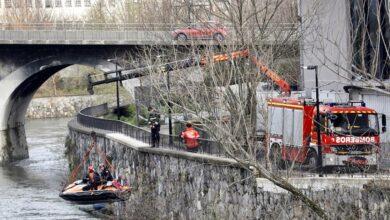 Tres desaparecidos al caer un coche al río Urumea en Hernani (Gipuzkoa)