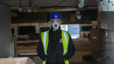 Trabajo pide a las empresas que paren la actividad si hay riesgo de contagio