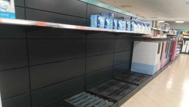 Las primeras medidas drásticas contra el coronavirus provocan el pánico en los supermercados