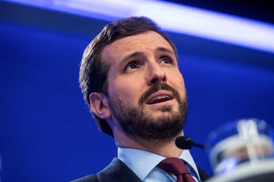 Casado arremete contra Sánchez por el retraso en el BOE con las nuevas medidas