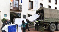 Llegada de material sanitario a un hotel medicalizado en Madrid.