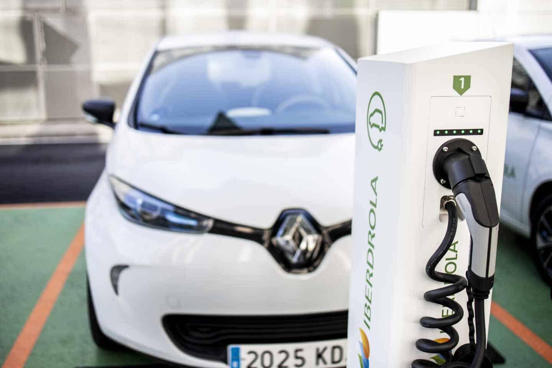 Punto de recarga de coche eléctrico de Iberdrola.