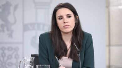 """Montero sólo admite que su ley """"se ha ido enriqueciendo"""" y la comparte todo el Gobierno"""