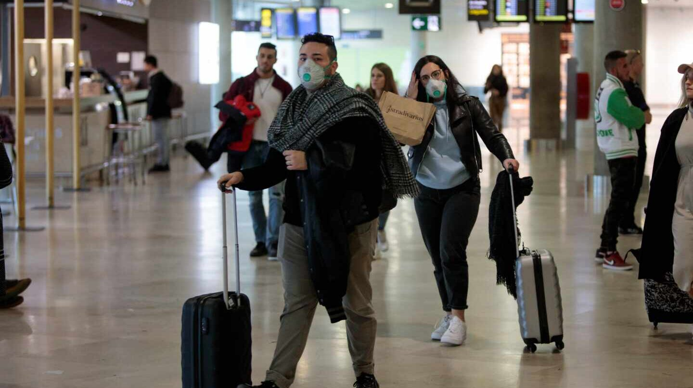 El coronavirus pone en jaque a la aviación y provoca un aluvión de ...