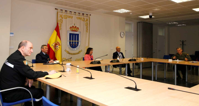 La ministra Margarita Robles, en su visita a la sede del Mando de Operaciones en la tarde de este martes.