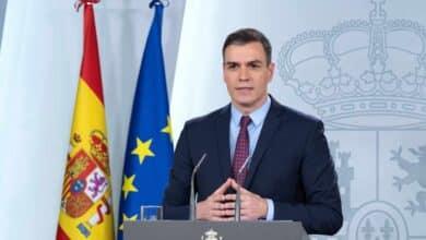 Sánchez anuncia un plan de 200.000 millones para evitar la recesión