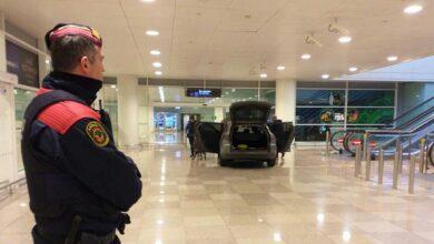 Dos personas detenidas al acceder con un vehículo a T1 del aeropuerto El Prat