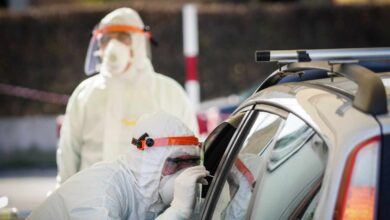 España registra un leve aumento en los contagios recientes y mantiene desactualizada la cifra de muertos