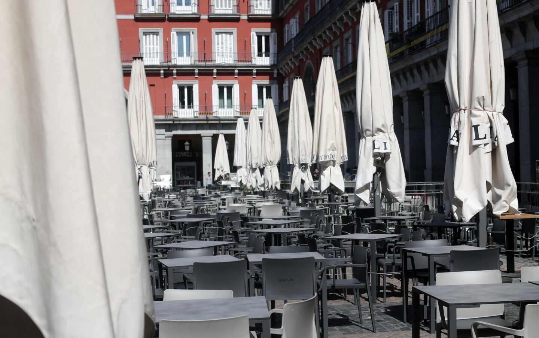 Una terraza en la Plaza Mayor, vacía justo antes de que se declarase el Estado de Alarma