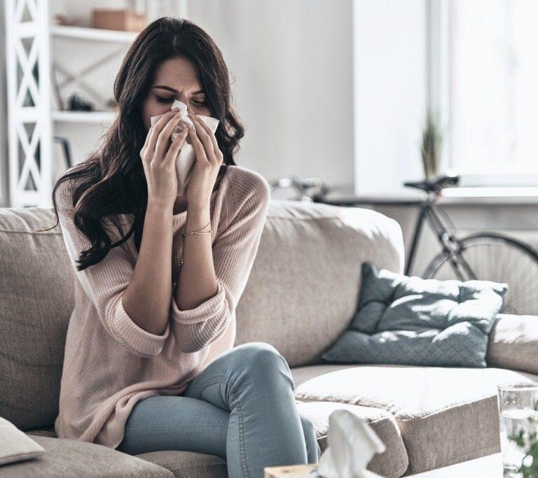 Los síntomas del coronavirus persisten en el 20% de los enfermos un mes después