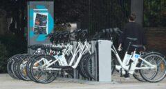 La DGT trabaja en prohibir circular a más de 30 km/h en vías de un solo carril por sentido para fomentar el uso de la bicicleta