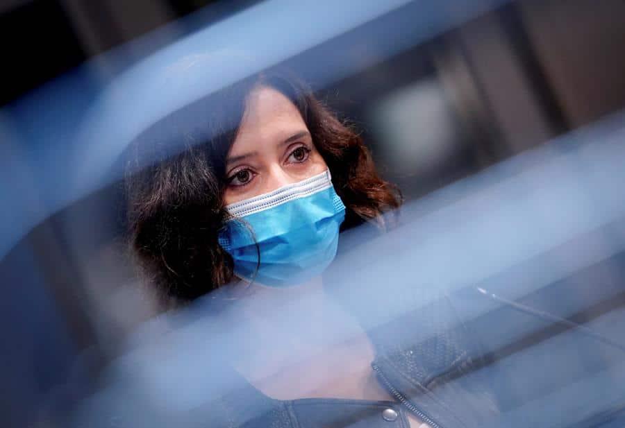 El liderazgo de Ayuso, en cuestión: la presidenta se prepara para un 'otoño caliente' en Madrid
