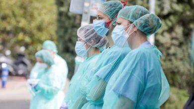 La Confederación de Sindicatos Médicos se querella contra Illa por el reparto de mascarillas defectuosas