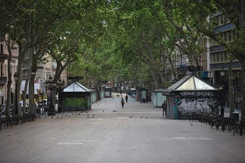 Vergés habla ahora de abrir la  movilidad de Barcelona, la única ciudad confinada de España