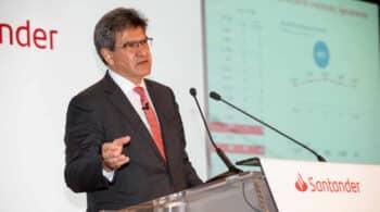 Álvarez (Santander) defiende la regulación de los sueldos de la banca