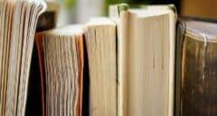 La Guardia Civil devuelve a la Biblioteca Pública de Ciudad Real un libro de Charles Darwin que iba a subastarse