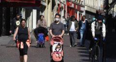 Francia y Alemania estudian eliminar el uso obligatorio de la mascarilla en exteriores