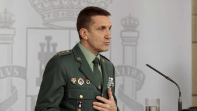 """El general de la Guardia Civil se excusa: """"Perseguimos los bulos, no la crítica política"""""""