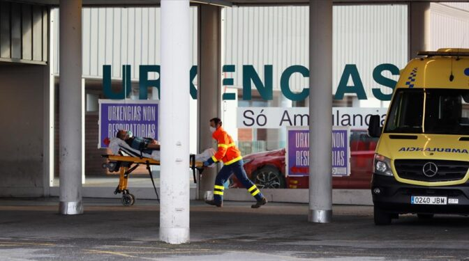 Sanidad registra 10.143 nuevos contagios y 137 muertes, mientras la incidencia se estanca